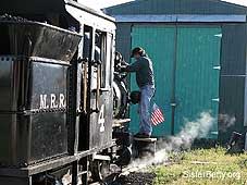 Narrow Gauge Locomotive: Click for larger image